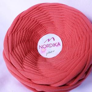 Трикотажна пряжа Nordika Yarn 7-9 мм корал 79-005