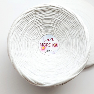 Трикотажна пряжа Nordika Yarn 7-9 мм біла 79-015