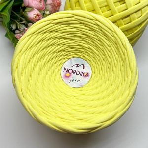 Трикотажна пряжа Nordika Yarn 7-9 мм ніжно-жовта 79-020